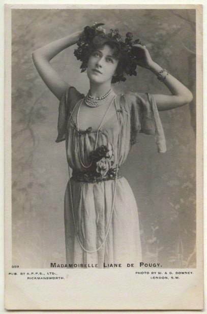 by W. & D. Downey, published by A.P.P.S. Ltd, Rickmansworth, matte bromide postcard print, 1900s